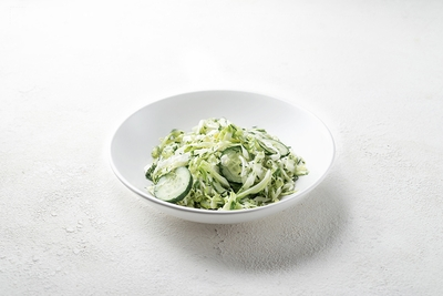 Салат з капусти та огірків